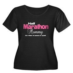 Half Marathon Mommy Peace Qui Women's Plus Size Scoop Neck Dark T-Shirt