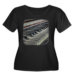 Distressed Vintage Piano Women's Plus Size Scoop Neck Dark T-Shirt